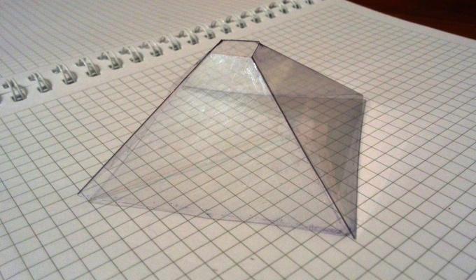 Готовая пластиковая пирамидка