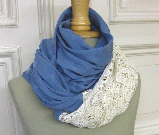 Шьем оригинальный шарф-снуд с кружевной отделкой