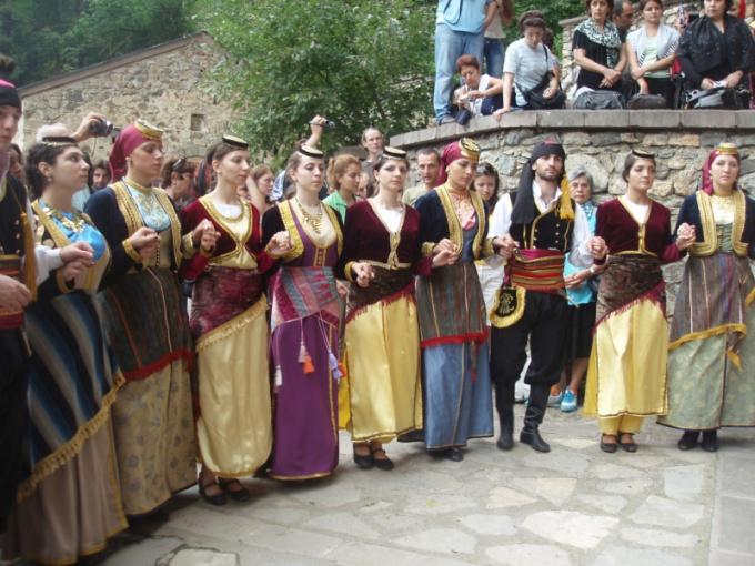 Миролюбивые и спокойные греки
