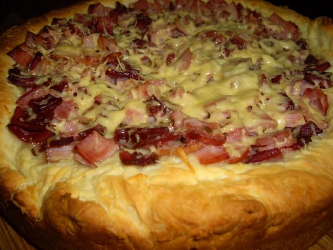 Как приготовить пирог из капусты и бекона?