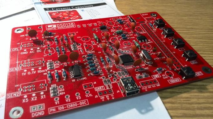Пайка конденсаторов на плату DSO138