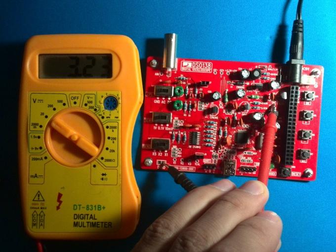 Измеряем напряжение в точке TP22 осциллографа DSO138