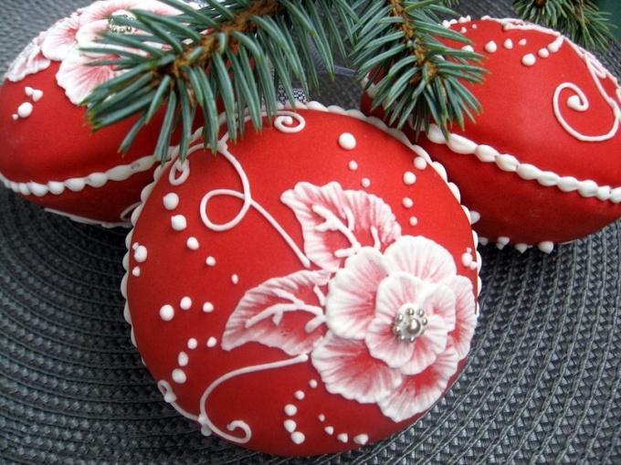 Новогодние шары из пряничного теста