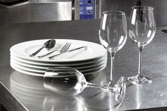 Как правильно чистить стеклянную посуду?