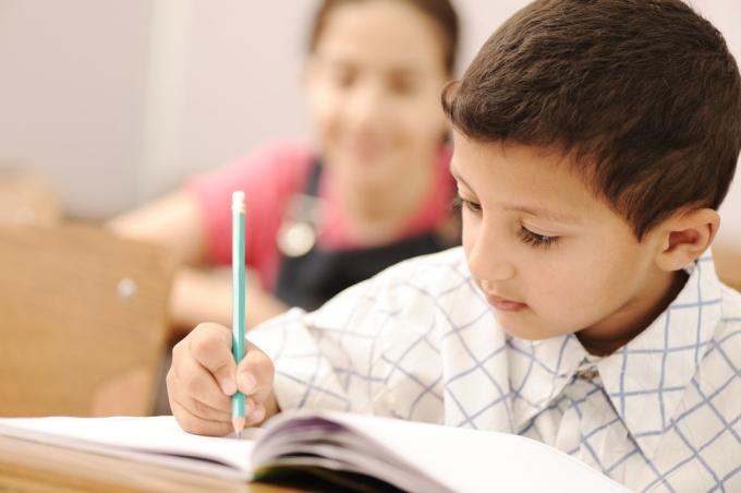 Как научить ребенка красиво писать в 1 классе