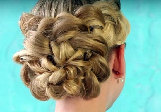 Как сделать оригинальную вечернюю прическу на основе французских кос