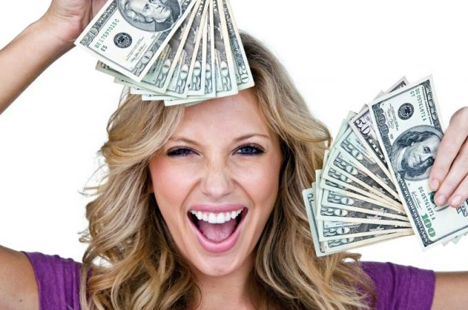 Что делать, если зарабатываешь больше парня