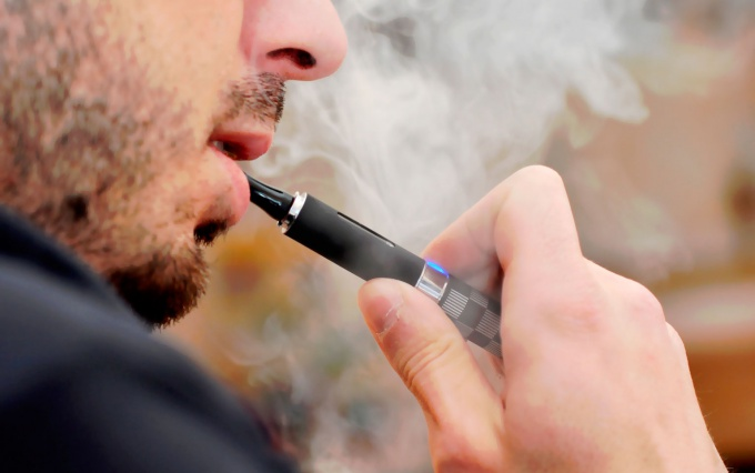 Electronic cigarette: the pros and cons, reviews of doctors, and active smokers