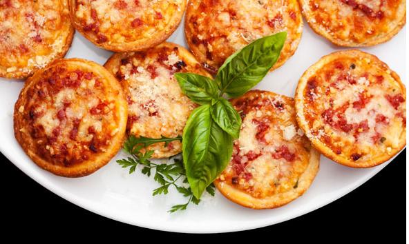 Закуска на праздник: мини-пицца в тарталетках