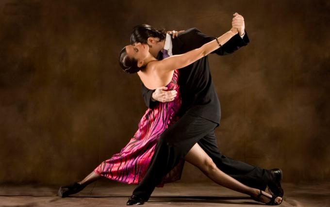 Как должен вести себя мужчина в аргентинском танго