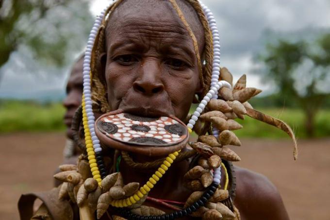 Самое жестокое и агрессивное африканское племя – Мурси