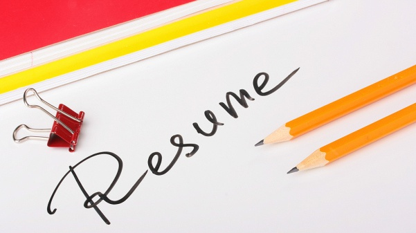 7 items that should not be included in your resume