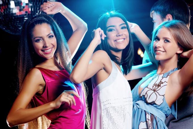 В чем пойти в клуб девушке