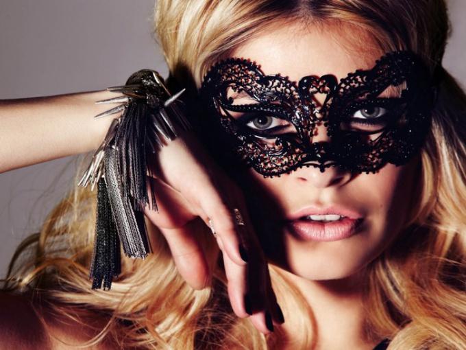 Кружевные маски для девушек
