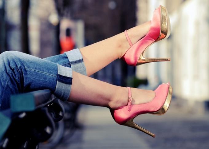 Почему вредно ходить на каблуках