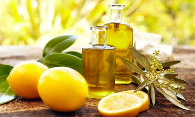 How to apply essential oil for skin and hair care