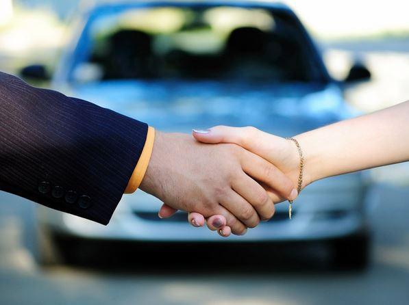 Как торговаться при покупке автомобиля в салоне?