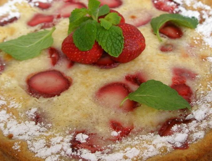 Как приготовить сладкий пирог на скорую руку