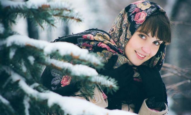Как завязать платок на голову зимой