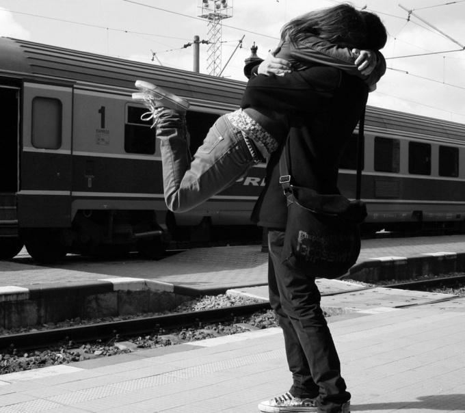 Как сохранить любовь с мужчиной на расстоянии?