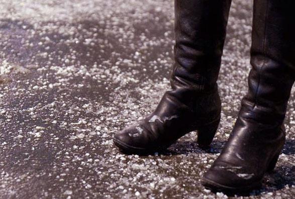 Как защитить обувь от реагентов