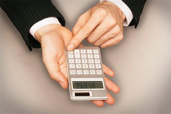 Погасить кредит досрочно: законно ли требование банка?
