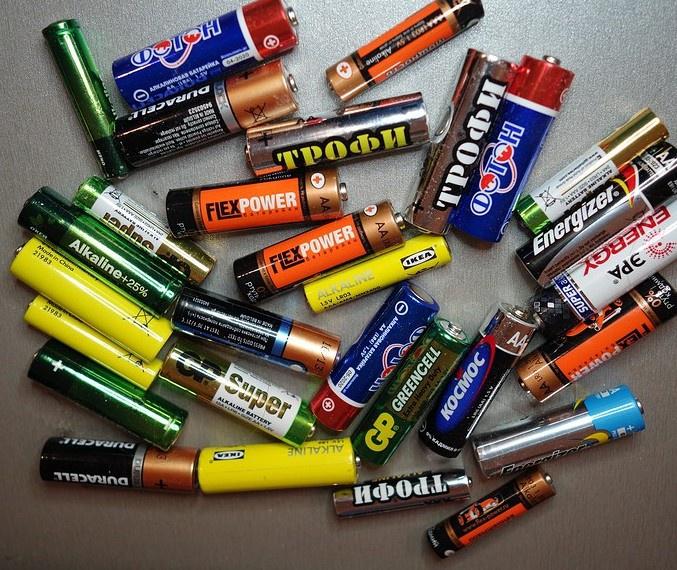 Батарейки разных типов одинаково могут навредить человеку