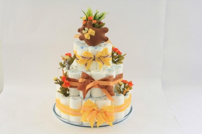 Как сделать торт из памперсов для новорожденного
