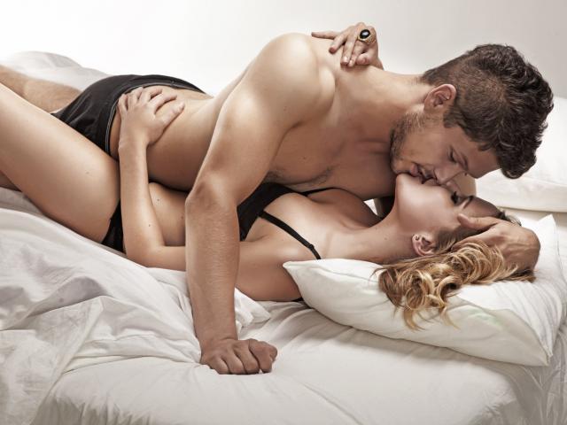 пара занимается сексом фото