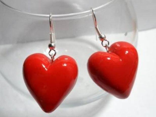 Как сделать сережки-сердечки из полимерной глины