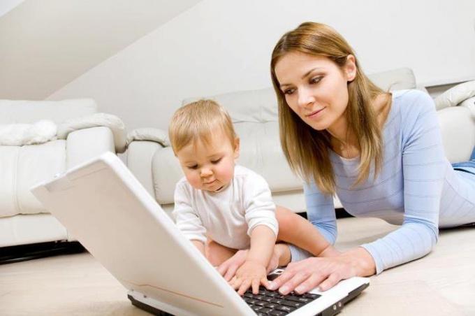 Возможные способы заработка для мамы в декрете