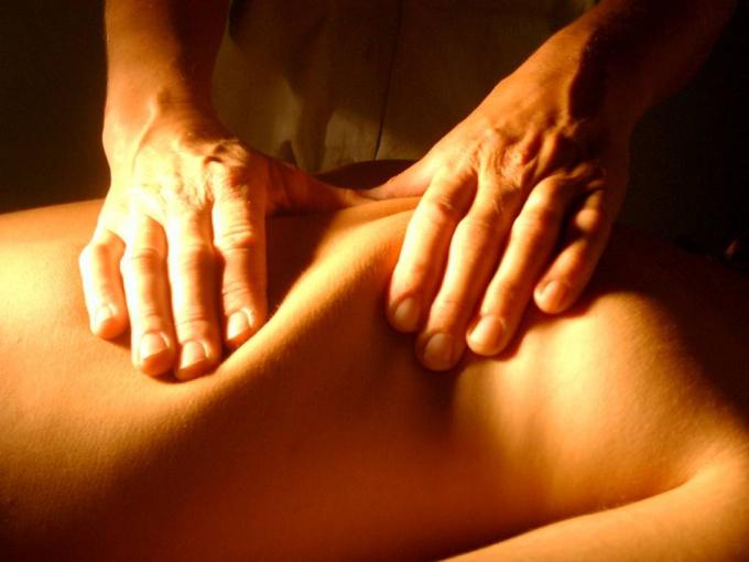 Simple techniques of anti-cellulite massage