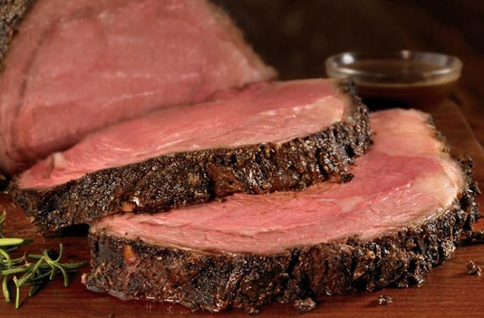 Как запечь мясо в духовке по всем правилам