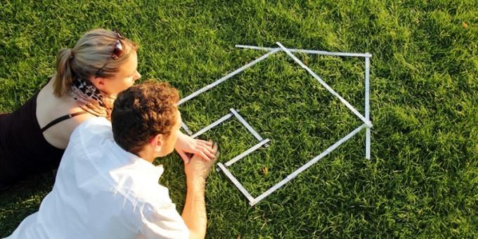 Стоит ли покупать недвижимость в кризис