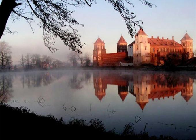Путешествие в Беларусь на машине.Мир.Часть 2