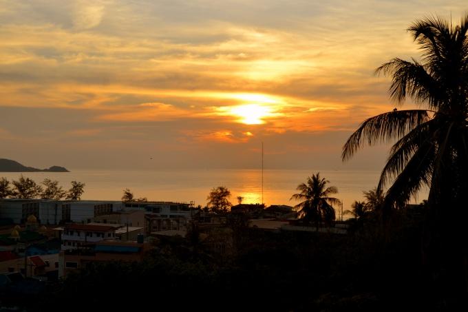 Пляж Патонг на закате, вид с Андаман хилл