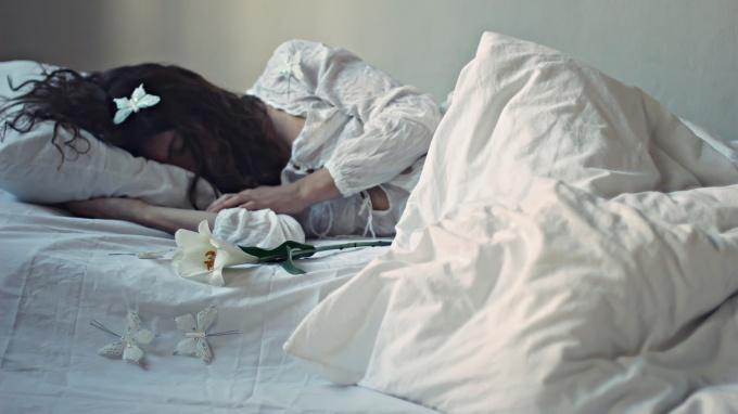 снится знакомая девушка со своим парнем