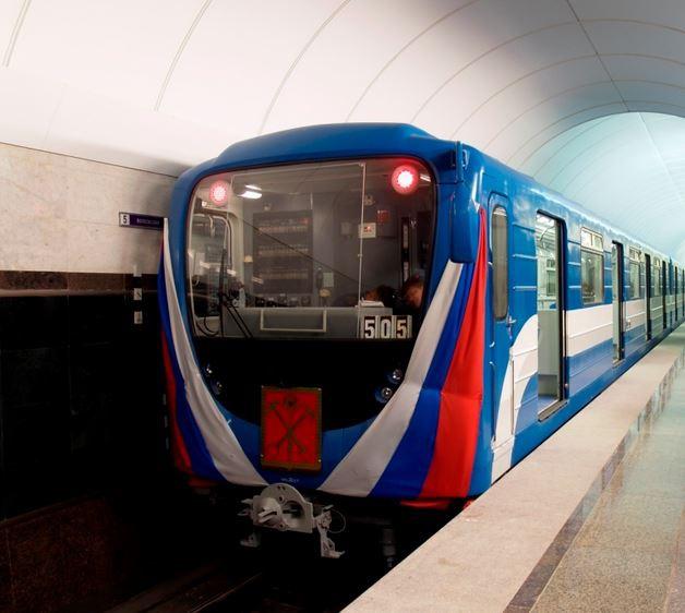 поезд метрополитена