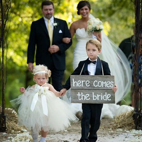 детки на свадьбе