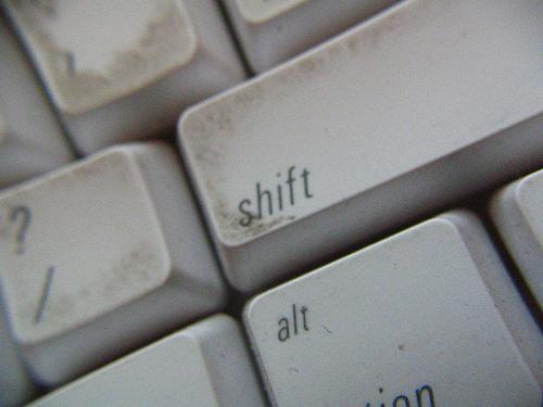 Как почистить компьютерную клавиатуру
