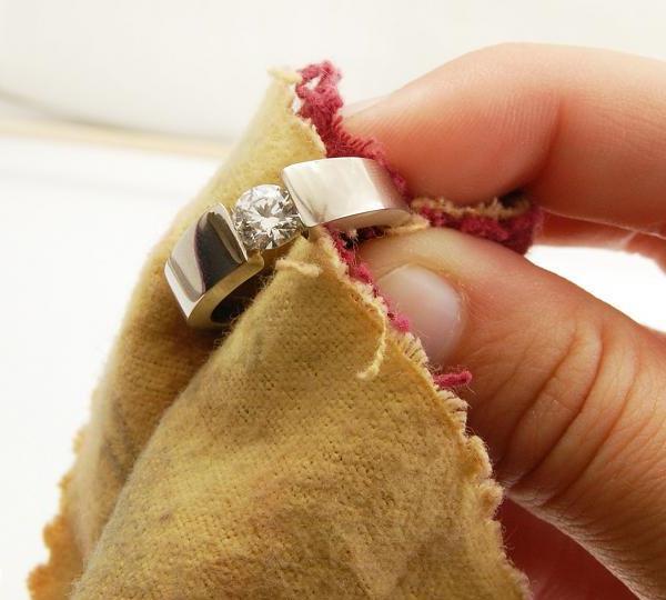 Как почистить железную бижутерию