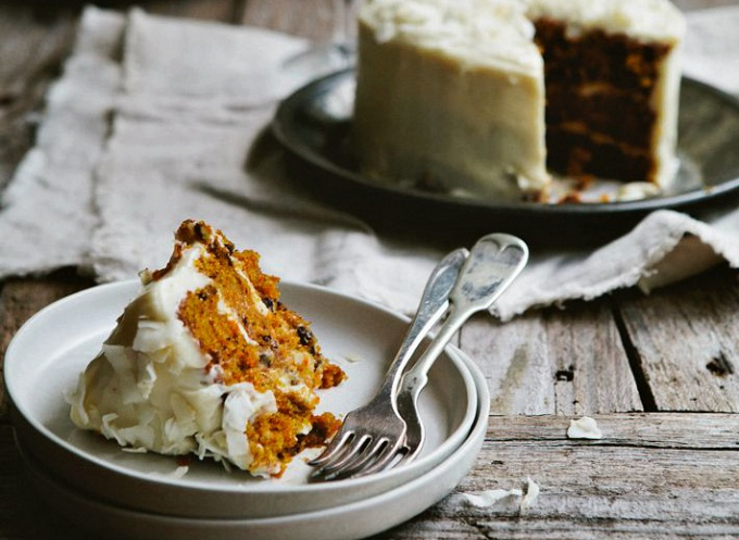 Морковный торт с кокосовым кремом