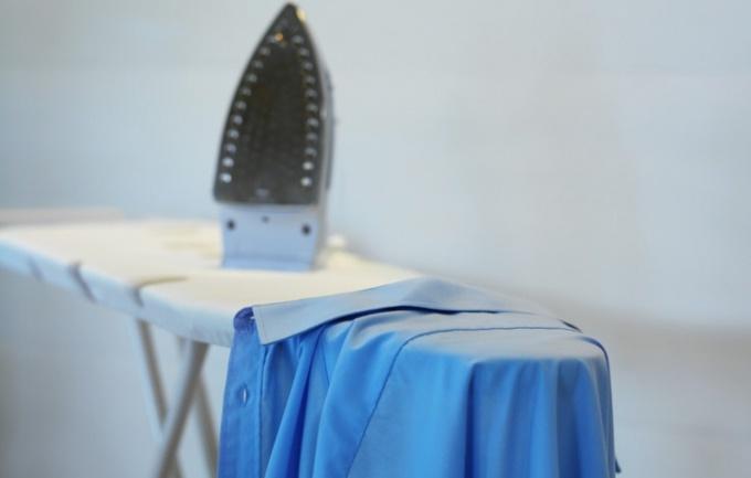 Как верно гладить рубашку с длинным рукавом