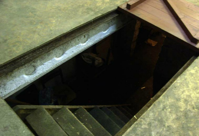 How to get rid of dampness in the cellar
