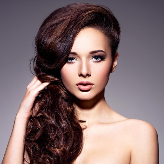 Как правильно ухаживать за волосами, если они начали выпадать