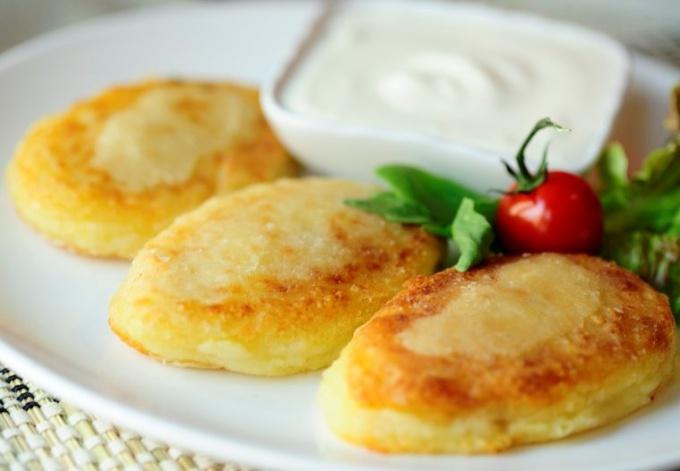 Зразы из картофеля с мясной начинкой