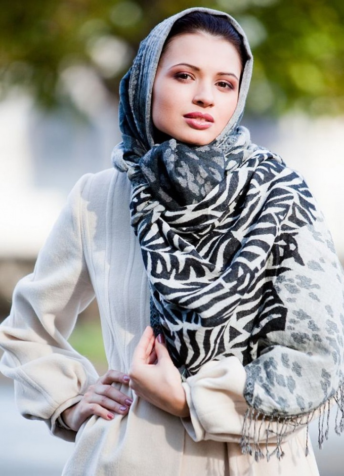 Как красиво завязать шарф, платок, палантин