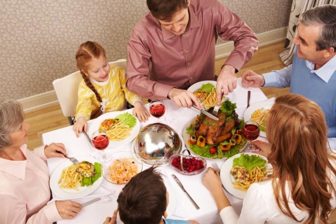 дружный обед с детьми