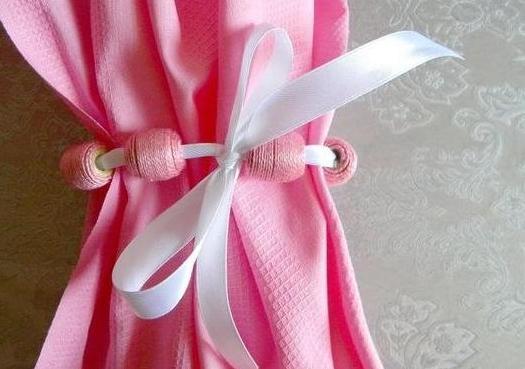Как сделать простой и нарядный подхват для штор своими руками