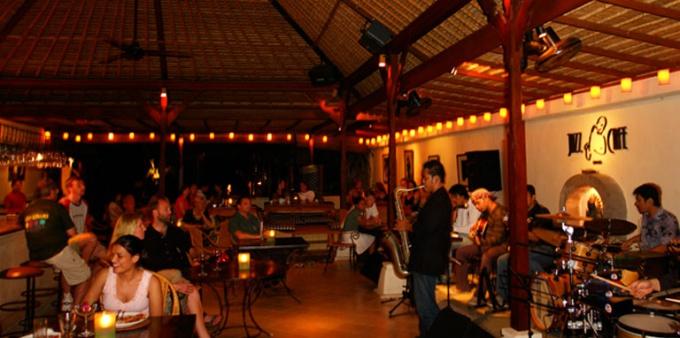 Где провести вечер на Бали